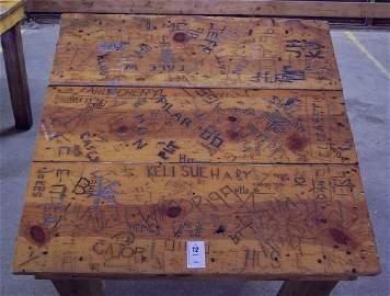 112: DIXIE CHICKEN CLASSIC DOMINO TABLE