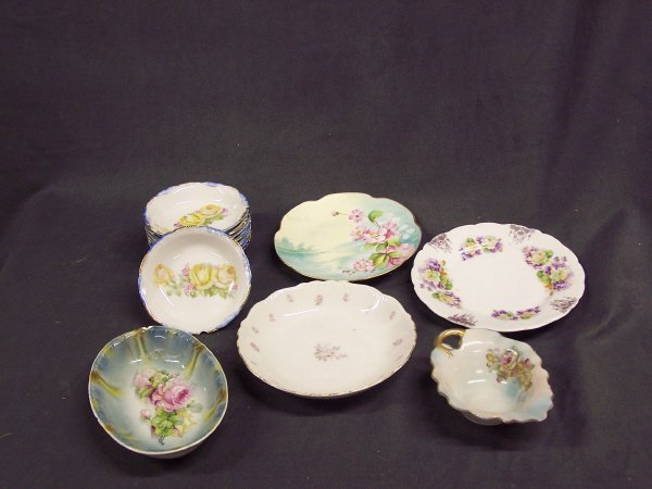1091: Lot Porcelain Decorative Bowls & Plates