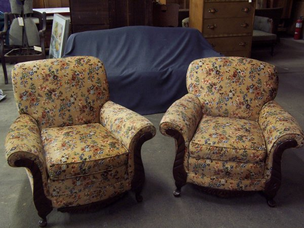 1097: Pair of Deco Chairs