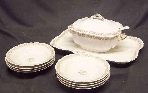 1151: Haviland Limoges Tureen and  8 Soup Bowls