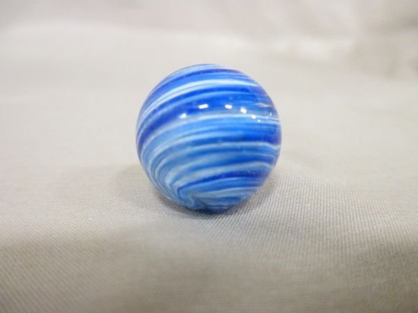 """Onionskin, blue and white, 11/16"""" in size, all marbles"""