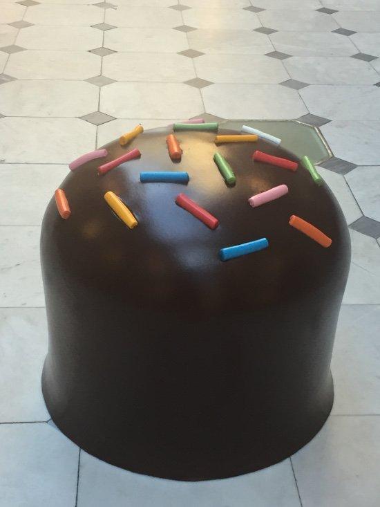DM Gugliermetto, sculpture pouff Big Eat Cioccolatino