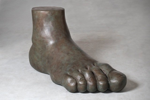 Gaetano Pesce, Superego, bronze feet