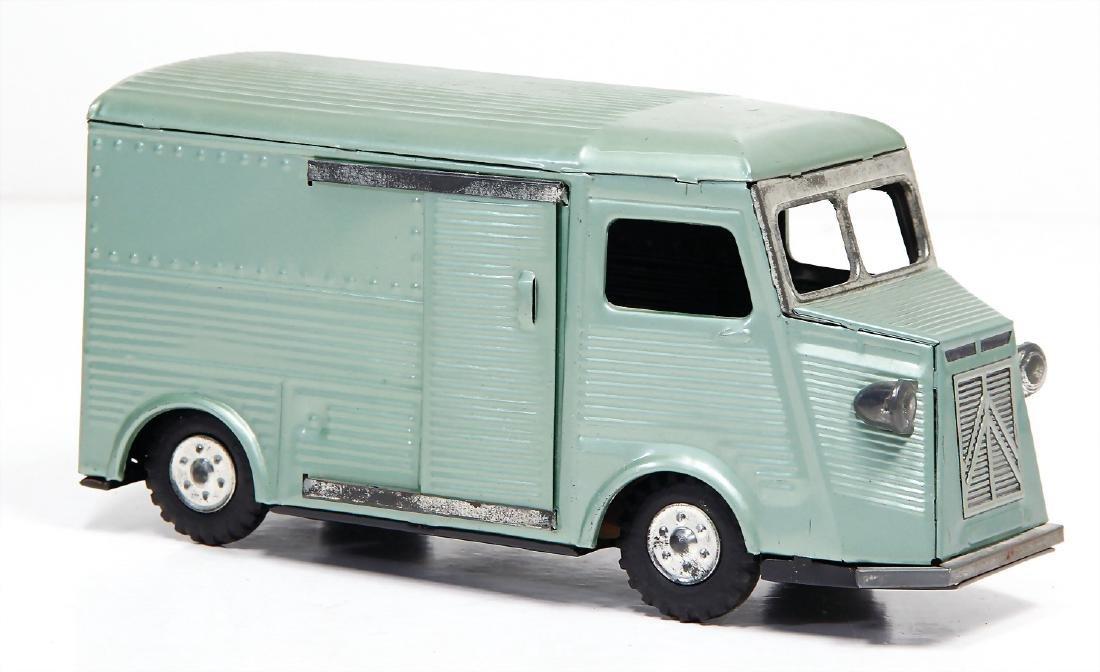 Renault, Japan, casting/sheet metal, lithographed,