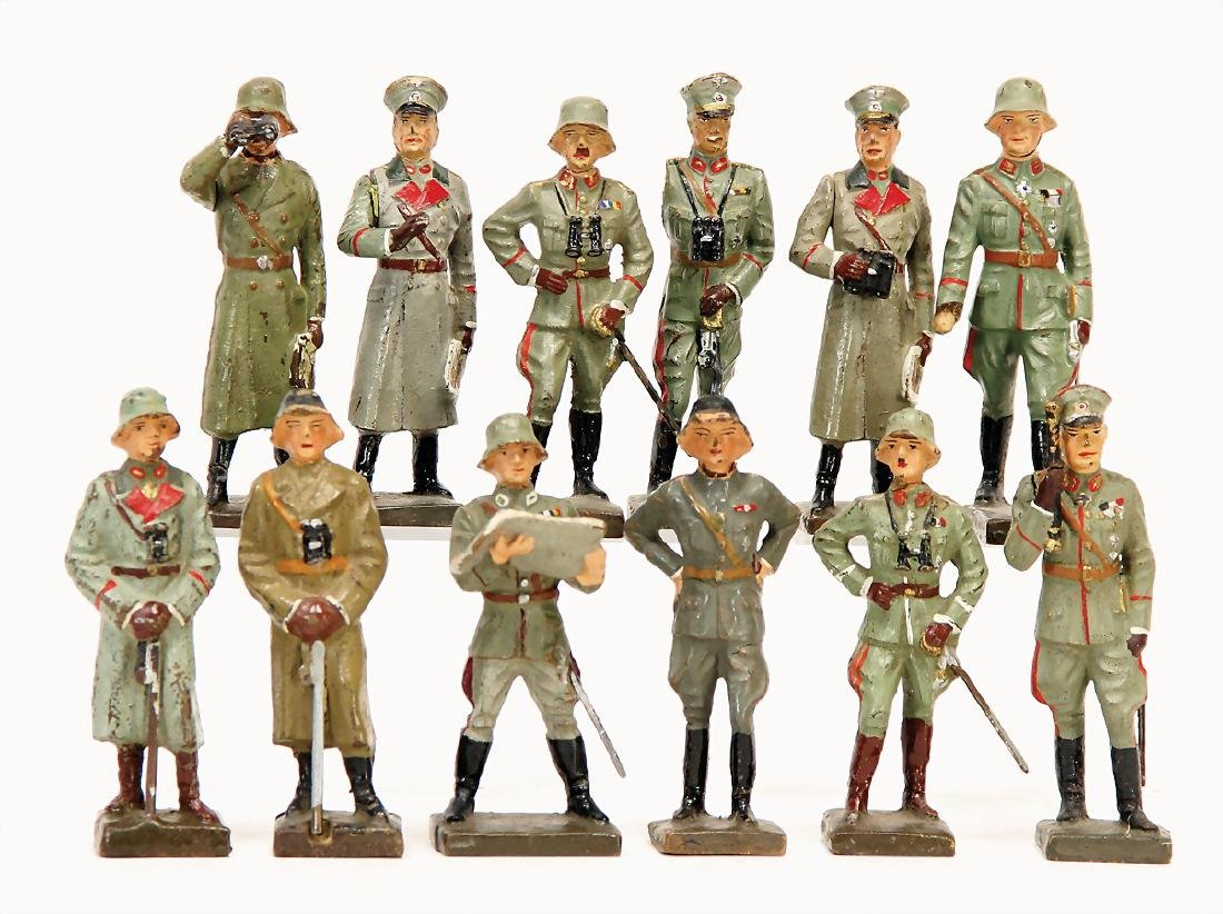LINEOL 12 pieces captains, 7.5 cm, 1 General, the arm