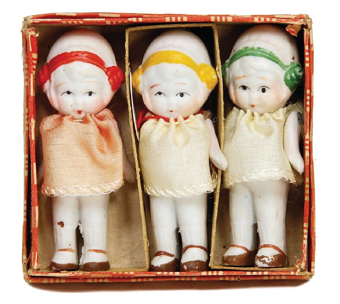 3 small all-bisque dolls, 7.5 cm, fix head, appropiated