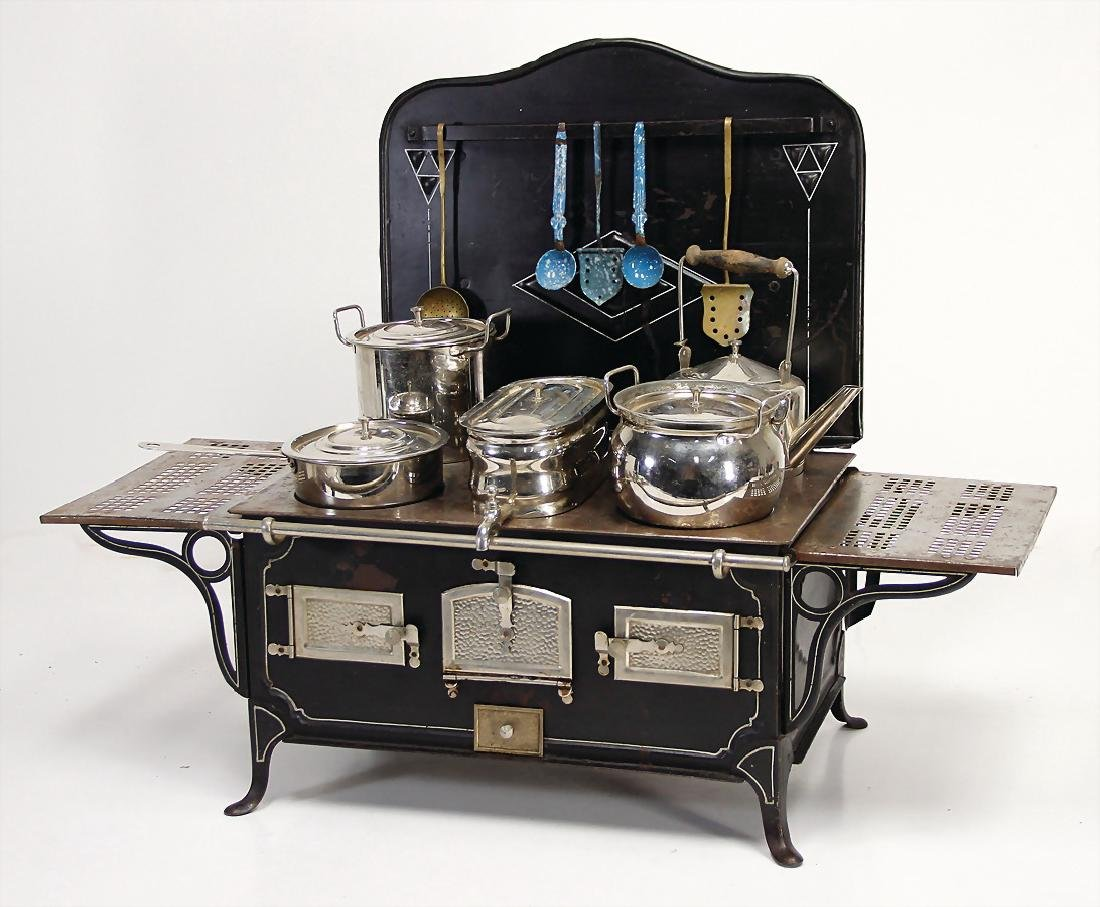 MÄRKLIN doll kitchen stove, with back and  setting
