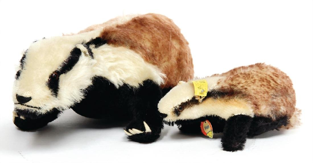 STEIFF 2 pieces badger, 1x with button, lenght: c. 32