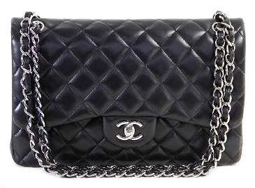 CHANEL purse, model: Timeless classic double flap,