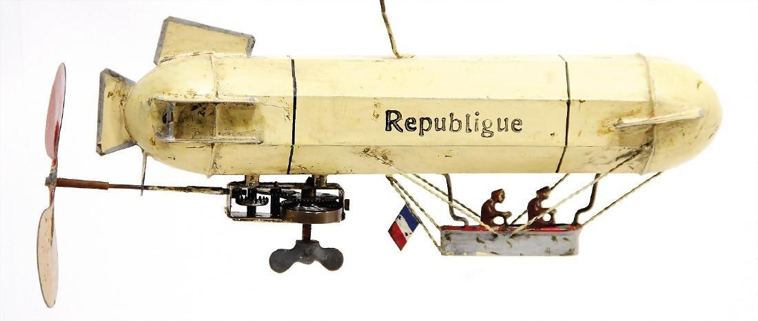 zeppelin, handpainted sheet metal, 22 cm, clock