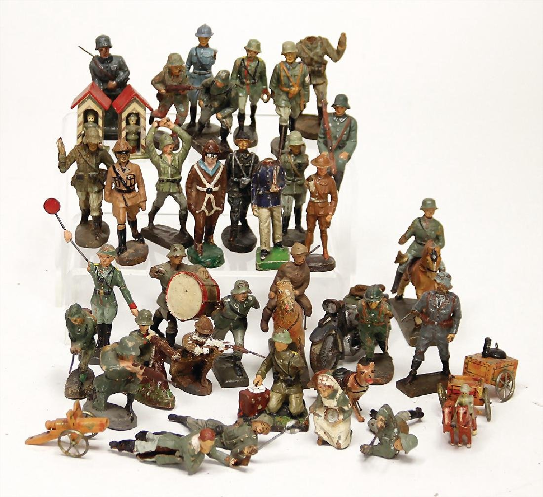 treasure chest, c. 30 pieces, figures, partially in