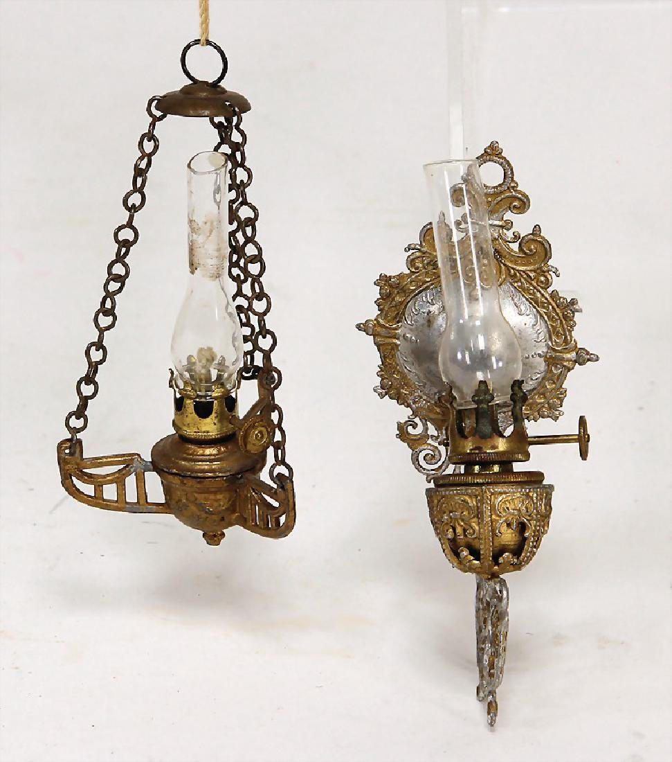 2 tin lamps, 1x wall lamps, 10.5 cm, mounting is bent,