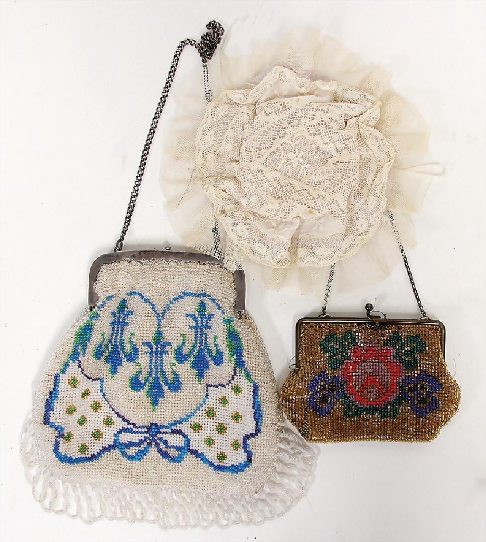 decoration pieces for Bébé, 2 pearl bags,