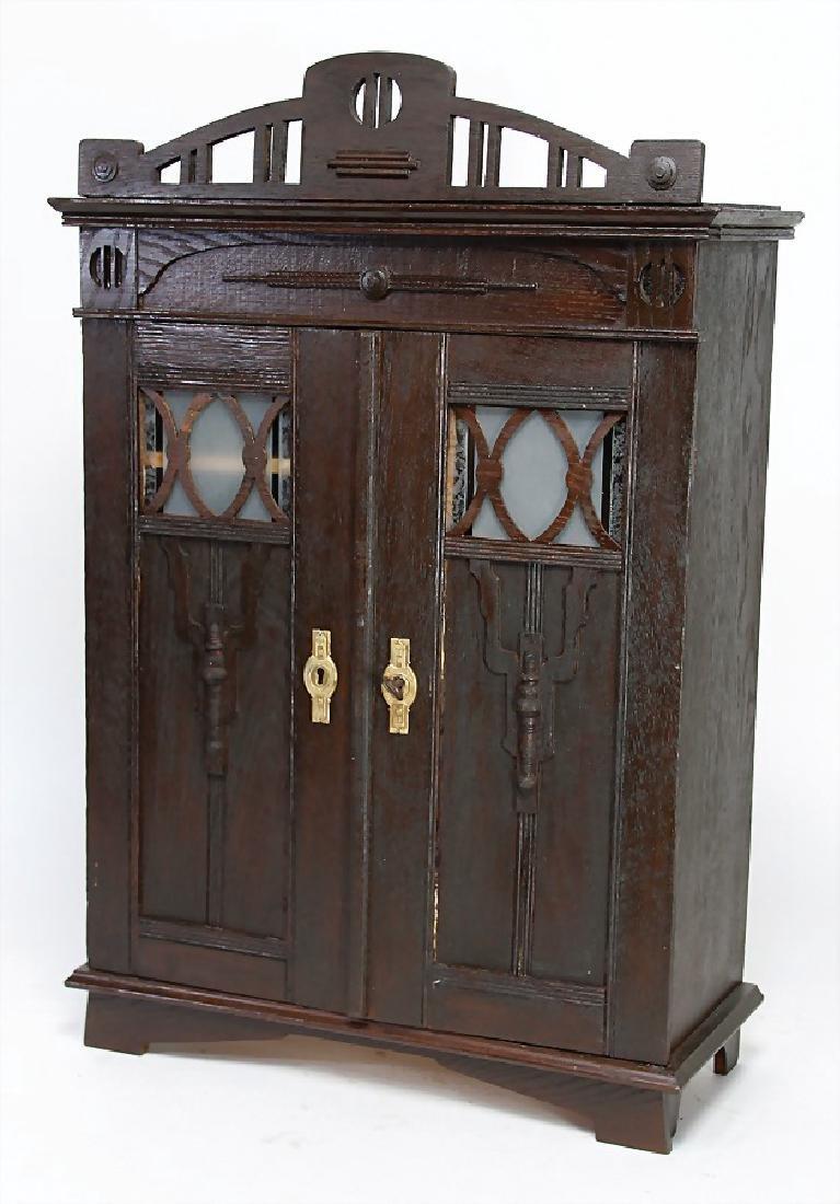 doll's cupboard, c. 1910, height: 65,5, width: 41,5,