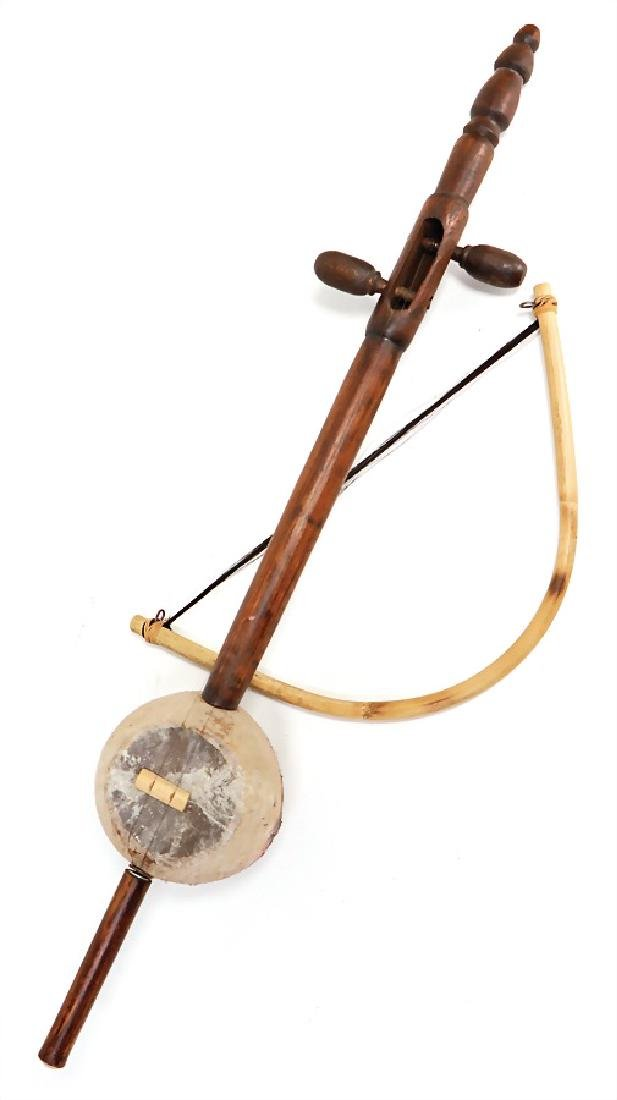 spike violin (rebab), with 2 strings, resonating body