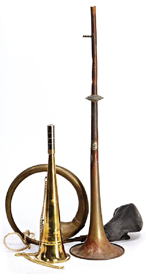 mixed lot with 3 pieces, part of a trumpet, 1 more