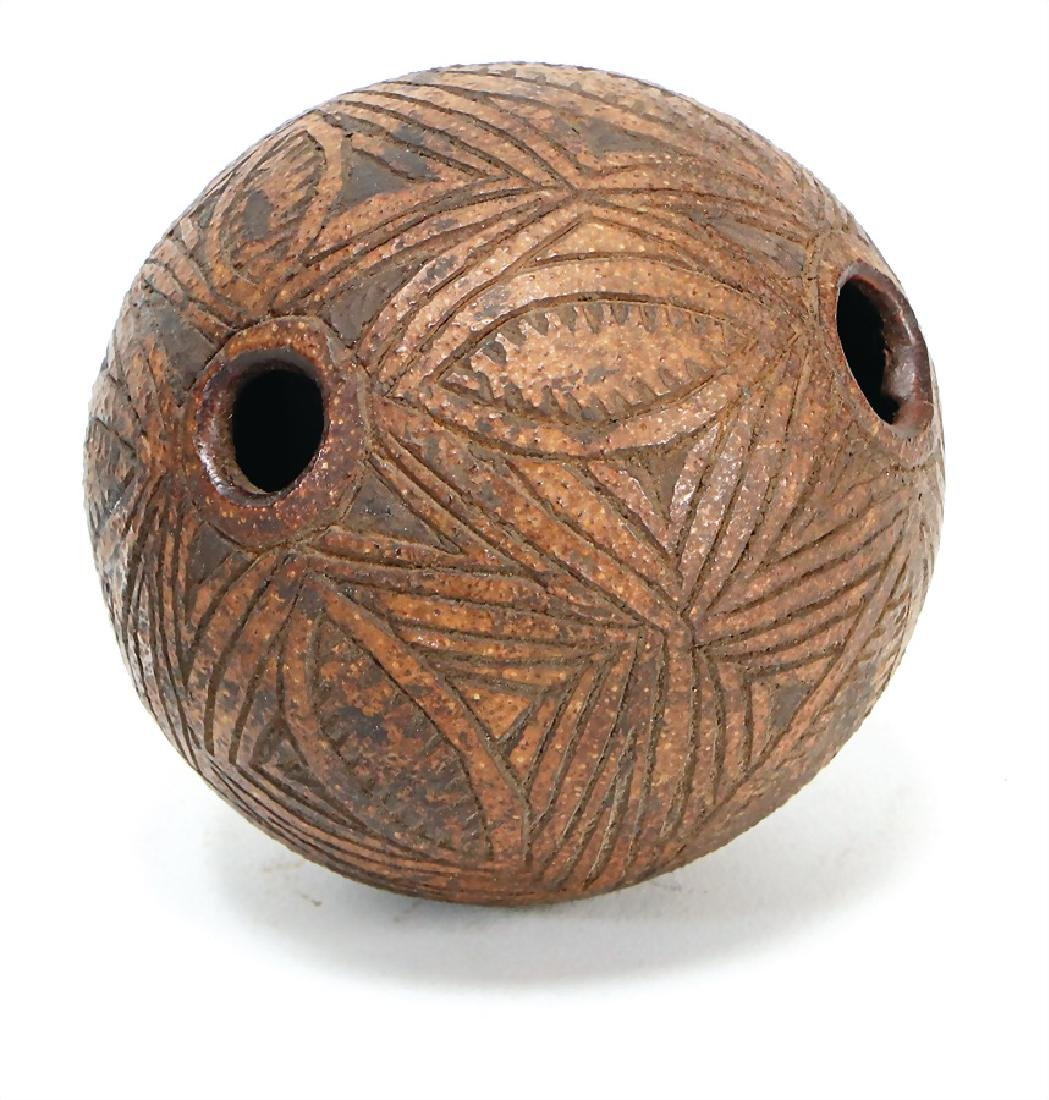 ocarina, new Guinea (Maprik area), capsule with