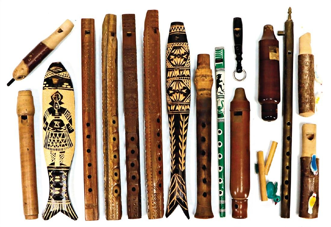 mixed lot with 16 pieces, pipes and flutes, from all
