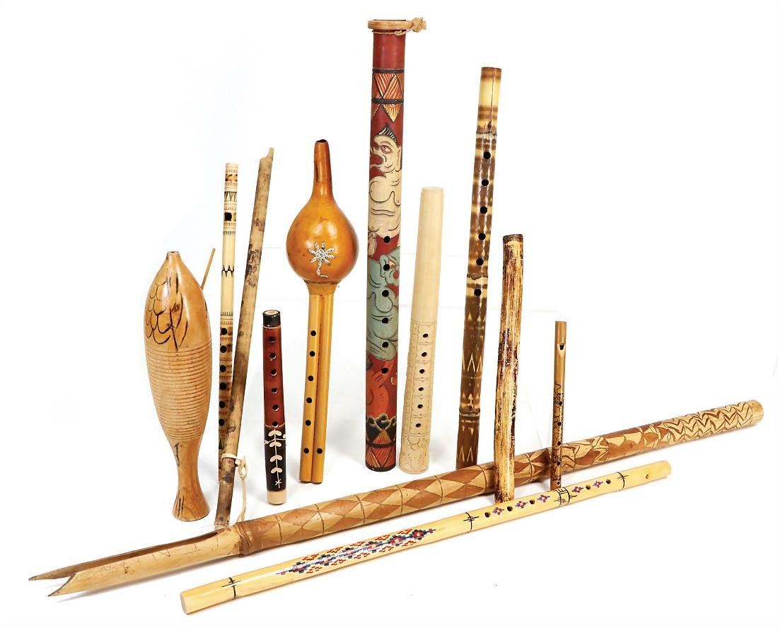 mixed lot with 12 pieces, flutes, wood and bamboo,