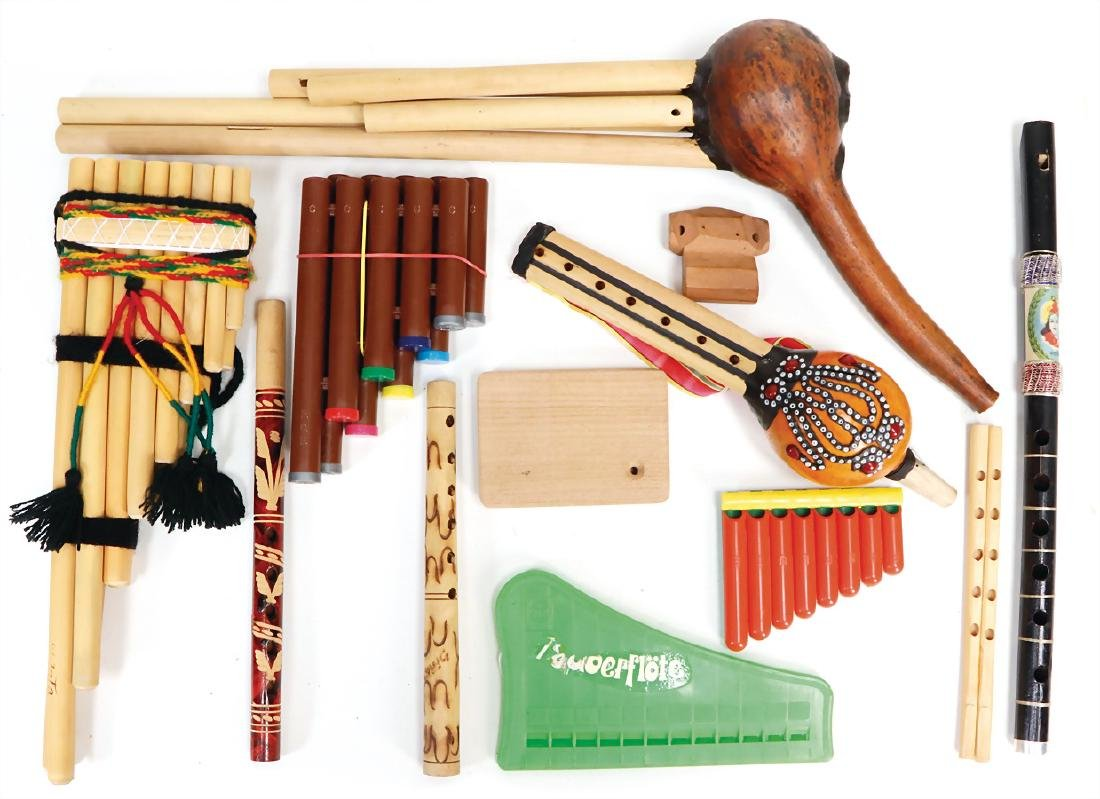 14 pieces, flutes, panpipes, flutes with resonating