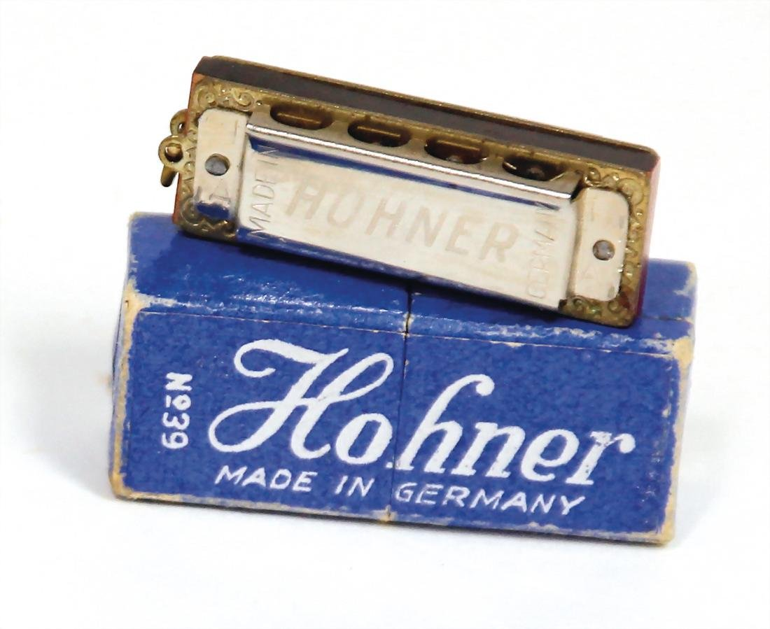 HOHNER smallest mouthorgan of the  world, 4 cm,