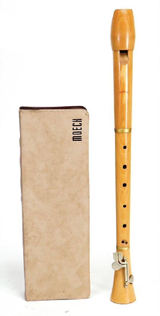alto recorder, bright wood, 2 keys, signed MOECK,