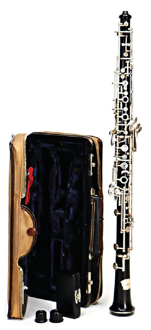 oboe, made of ebony or grenadilla, not signed, sn.