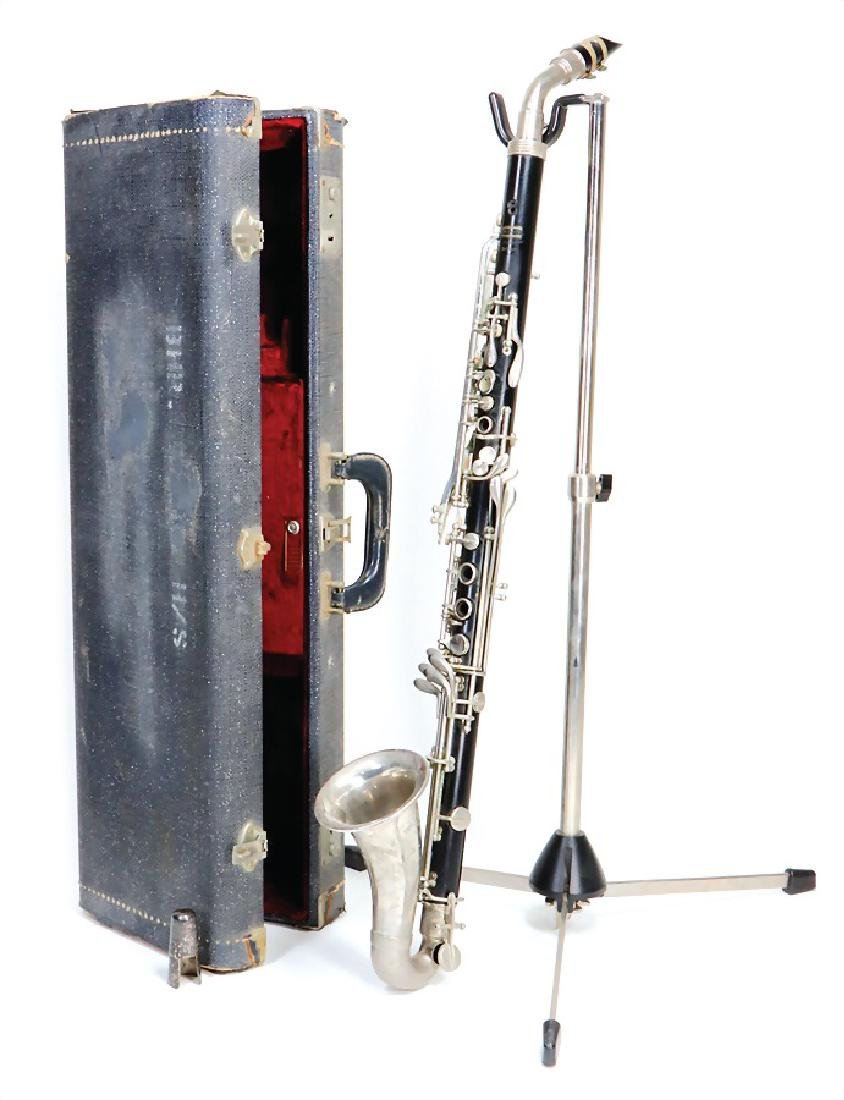 alto clarinet in F, made of plastic, signature Bundy