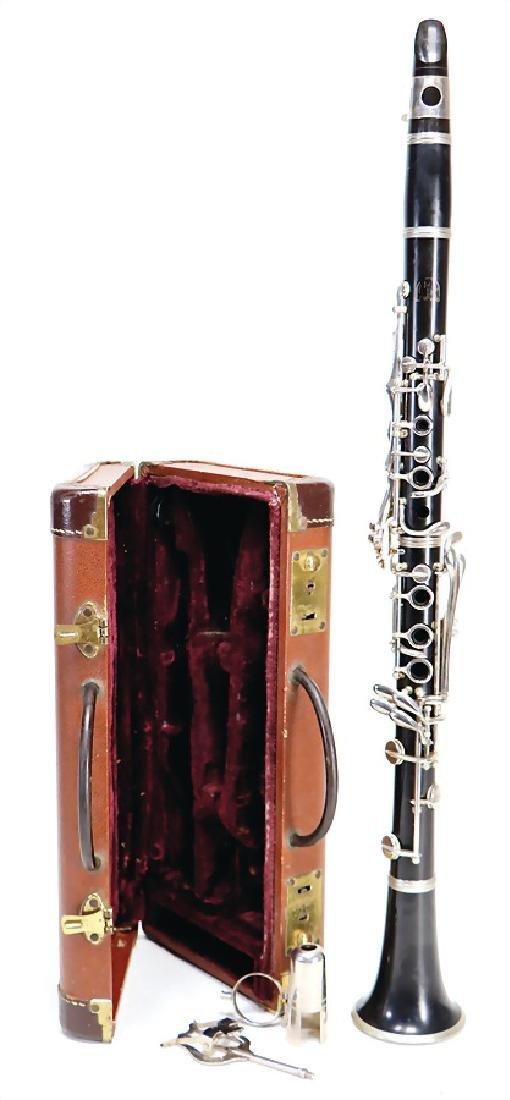 clarinet in b, made of plastic, signature Conn Direktor