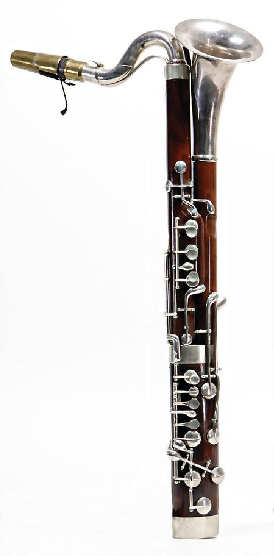 constructor unsigned, bass clarinet shaped like a