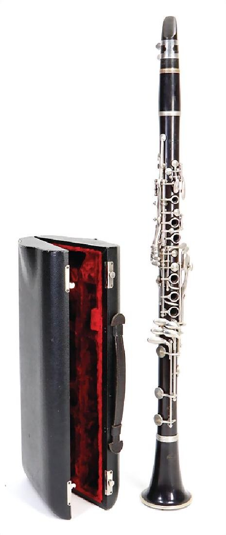 BUFFET CRAMPON AND CIE, PARIS clarinet in b, made of