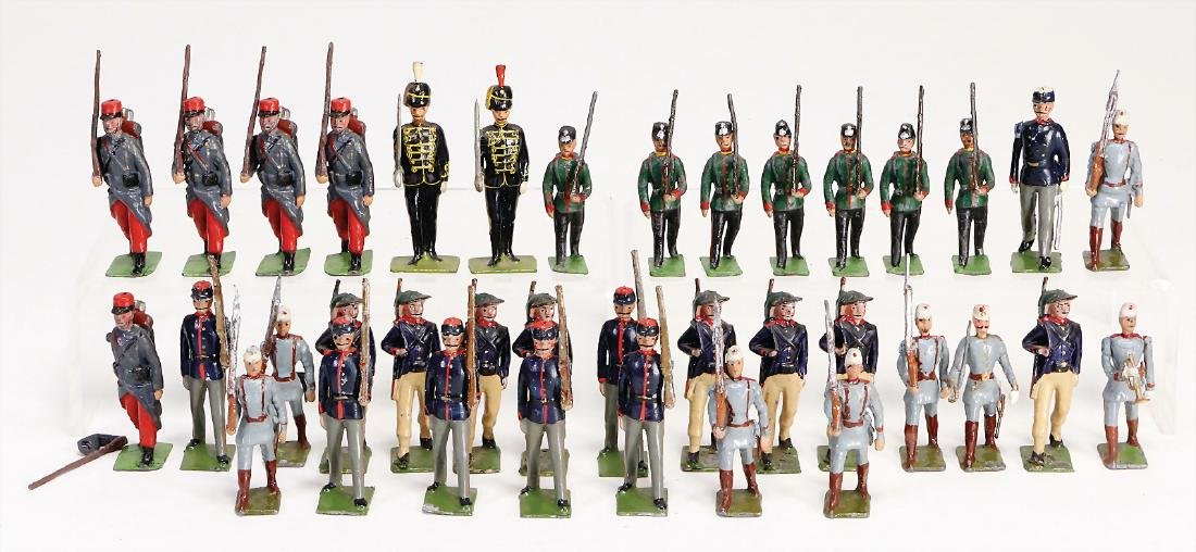 Britain, 6 cm, casting, 36 pieces, marching, different