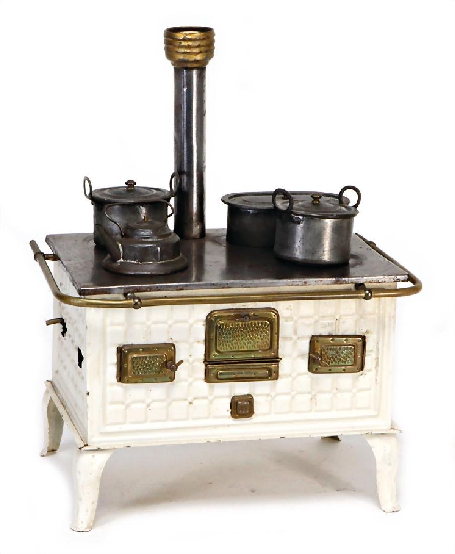 doll kitchen stove, white, brass doors, brass handle,