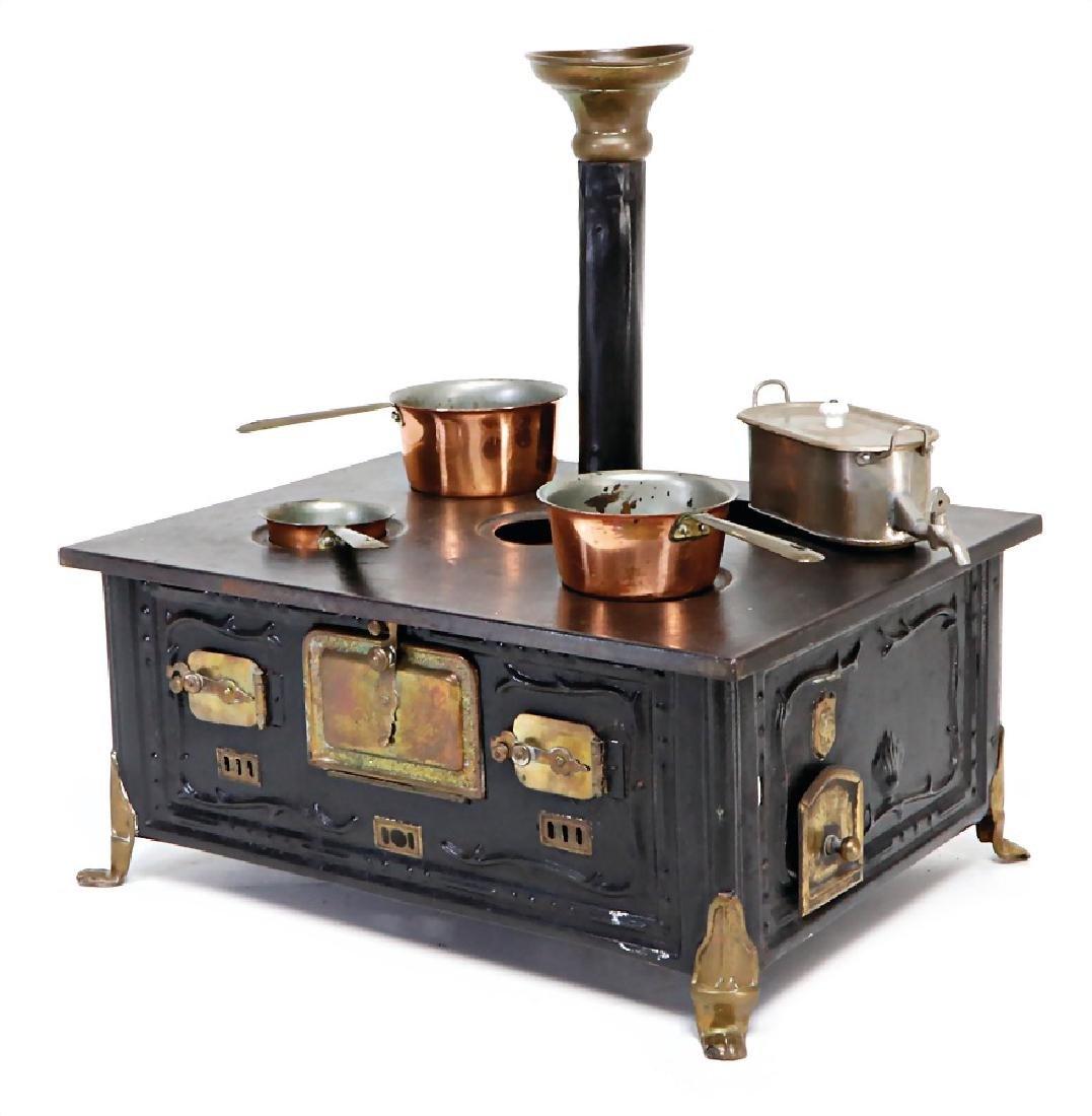 MÄRKLIN stove, height: 36 cm, width: 34 cm, lion's paw