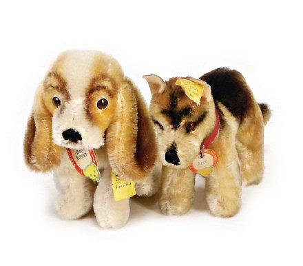 Steiff Dog Postwar Era Hush Puppies With Button Apr 14 2018 Ladenburger Spielzeugauktion Gmbh In Germany