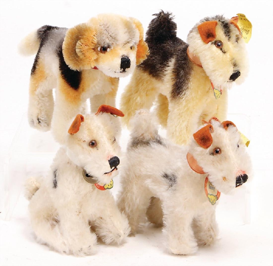 STEIFF 4 pieces dogs, Foxy, button and  chest label,