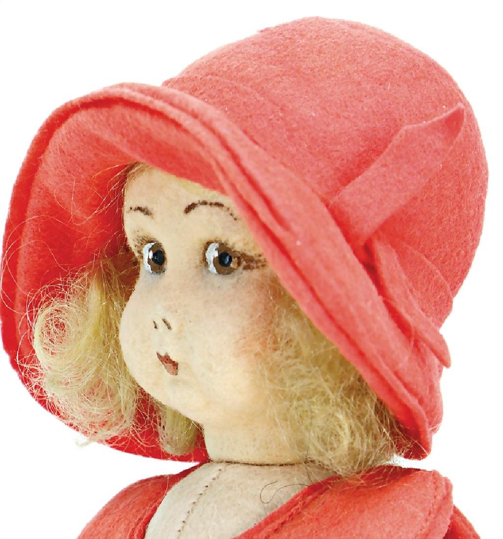 LENCI girl, swivel felt head, with to the side looking - 2