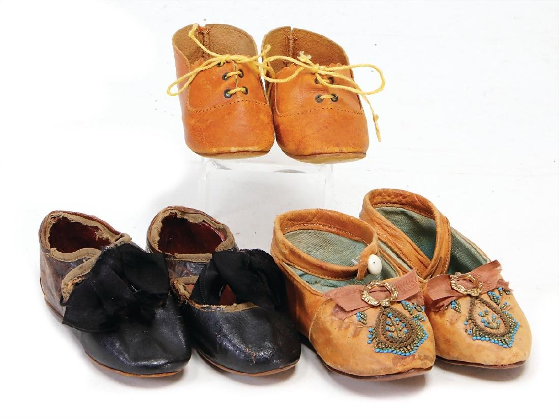 3 pair of doll shoes for German dolls, 1900/1910,