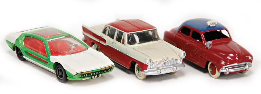 DINKY TOY 3 pieces, Win-Car 9 Aronde, taxi,  used up to