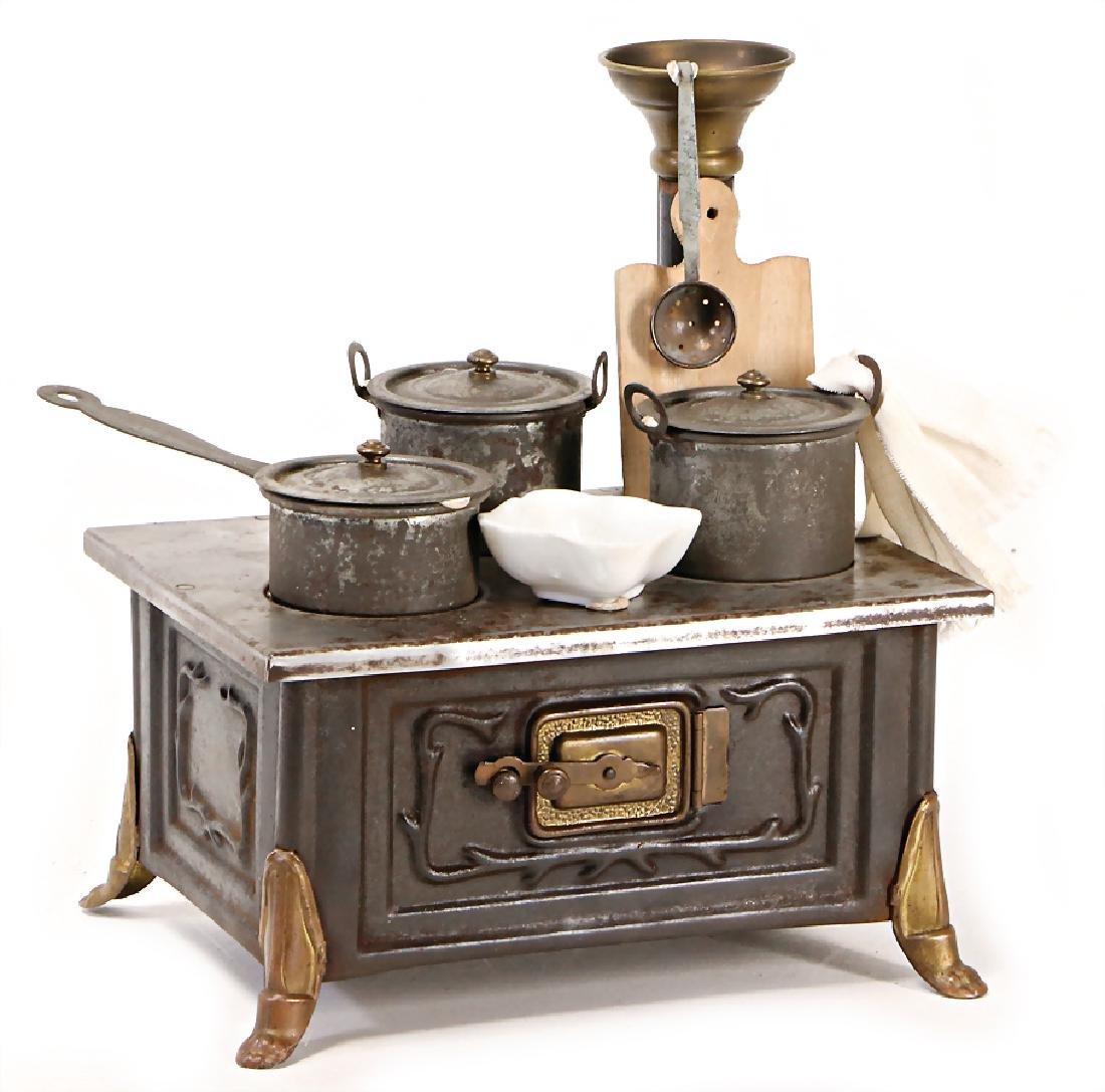 MÄRKLIN doll stove, sheet metal, with lion's paw feet,