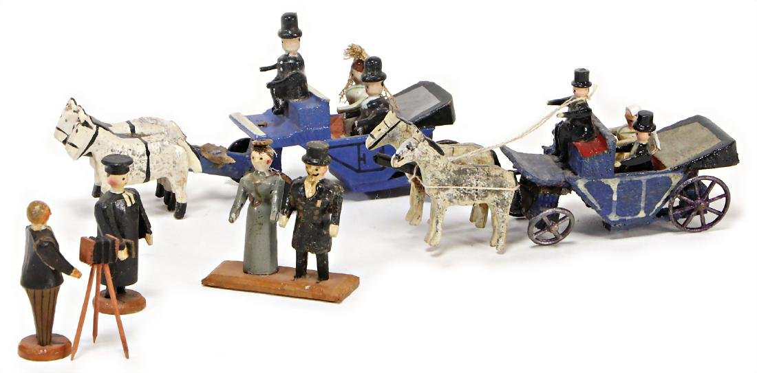 ERZGEBIRGE miniatures, 2 bridal carriages, pastor,