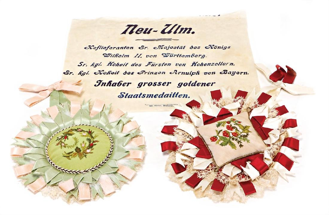 Christmas tree decoration, 2 fabric medals (Cotillon),
