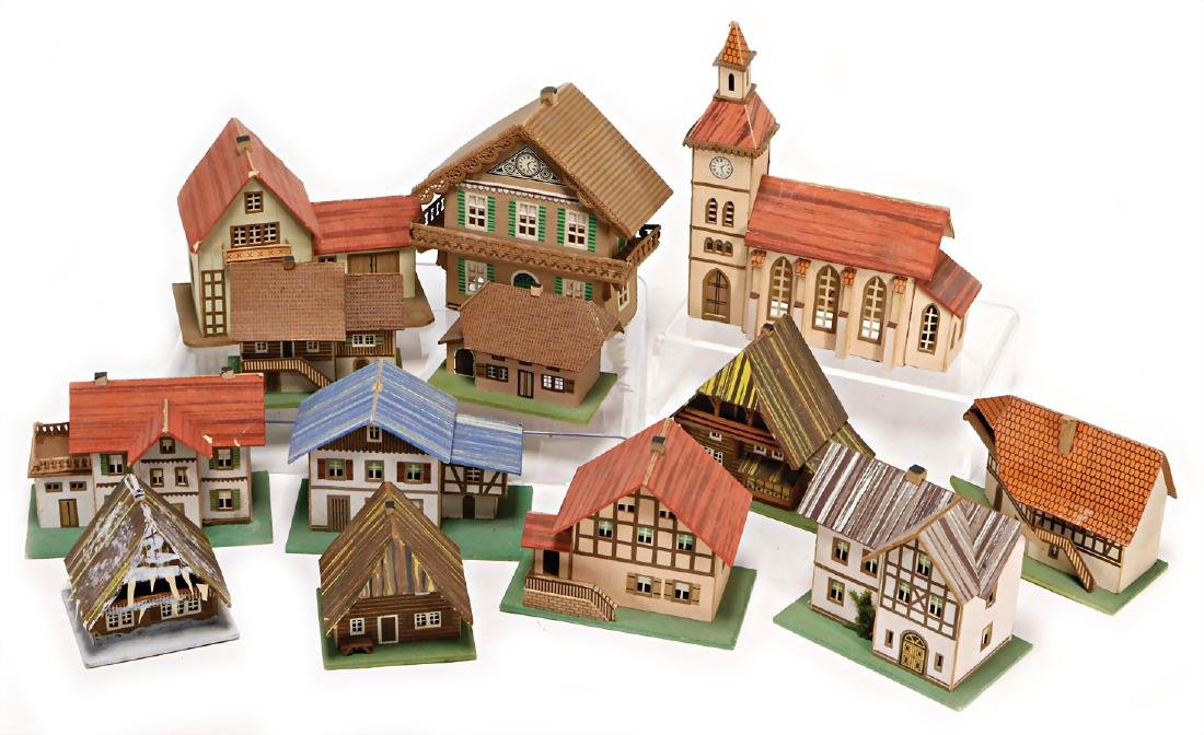 PROBABLY ERZGEBIRGE mixed lot with 12 pieces, houses