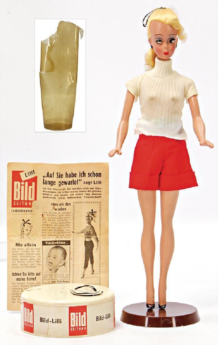 HAUSER Lili, 28 cm, blond, Schulternaht aufgeplatzt,