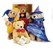 STEIFF Konv. 4 Bären, neuw. mit Knopf, Schild u. Fahne,