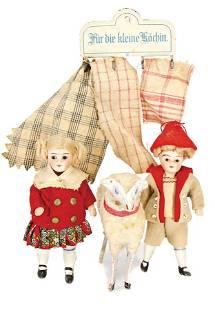 2 dollhouse dolls, children, all-bisque, 9.5 cm, 1 wool