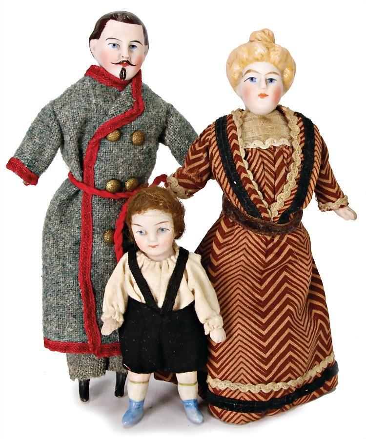 3 pieces, dollhouse dolls, lady, 14.5 cm, bisque