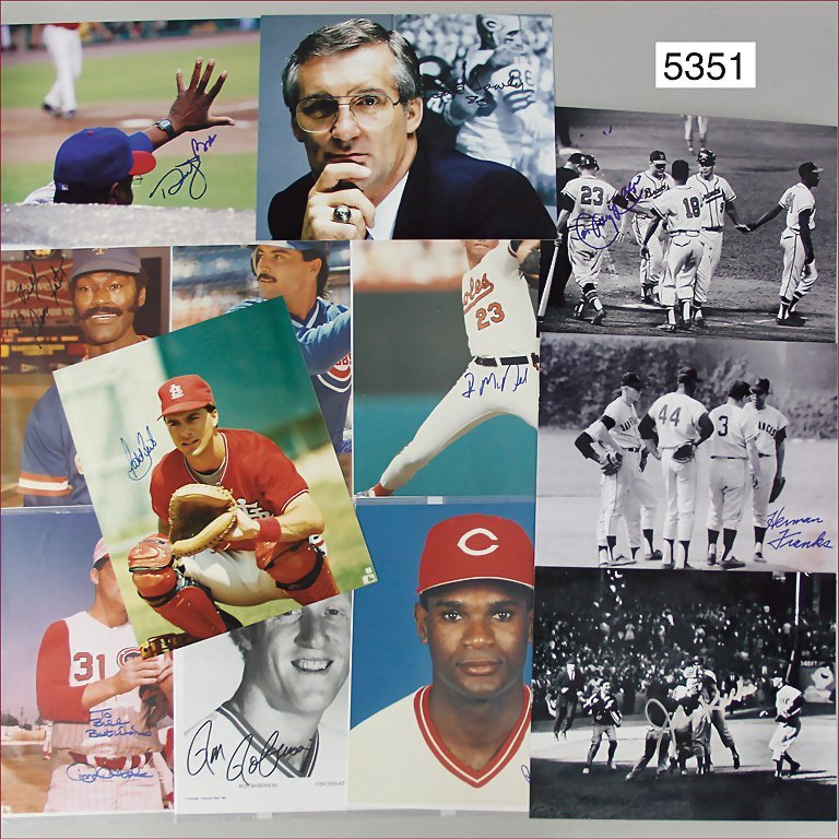 mixed lot of Baseball autographs, 17 pieces, with