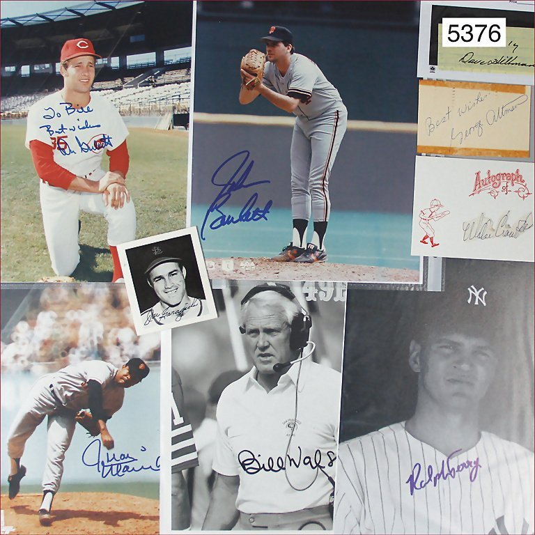 mixed lot of 11 signatures of well-known baseballers,
