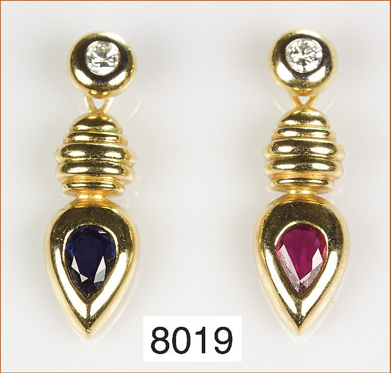 1 Paar Ohrhänger, GG 750/000, Brillanten 0,25 ct, feine